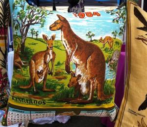 SUV846 1984 Kangaroos 45cm